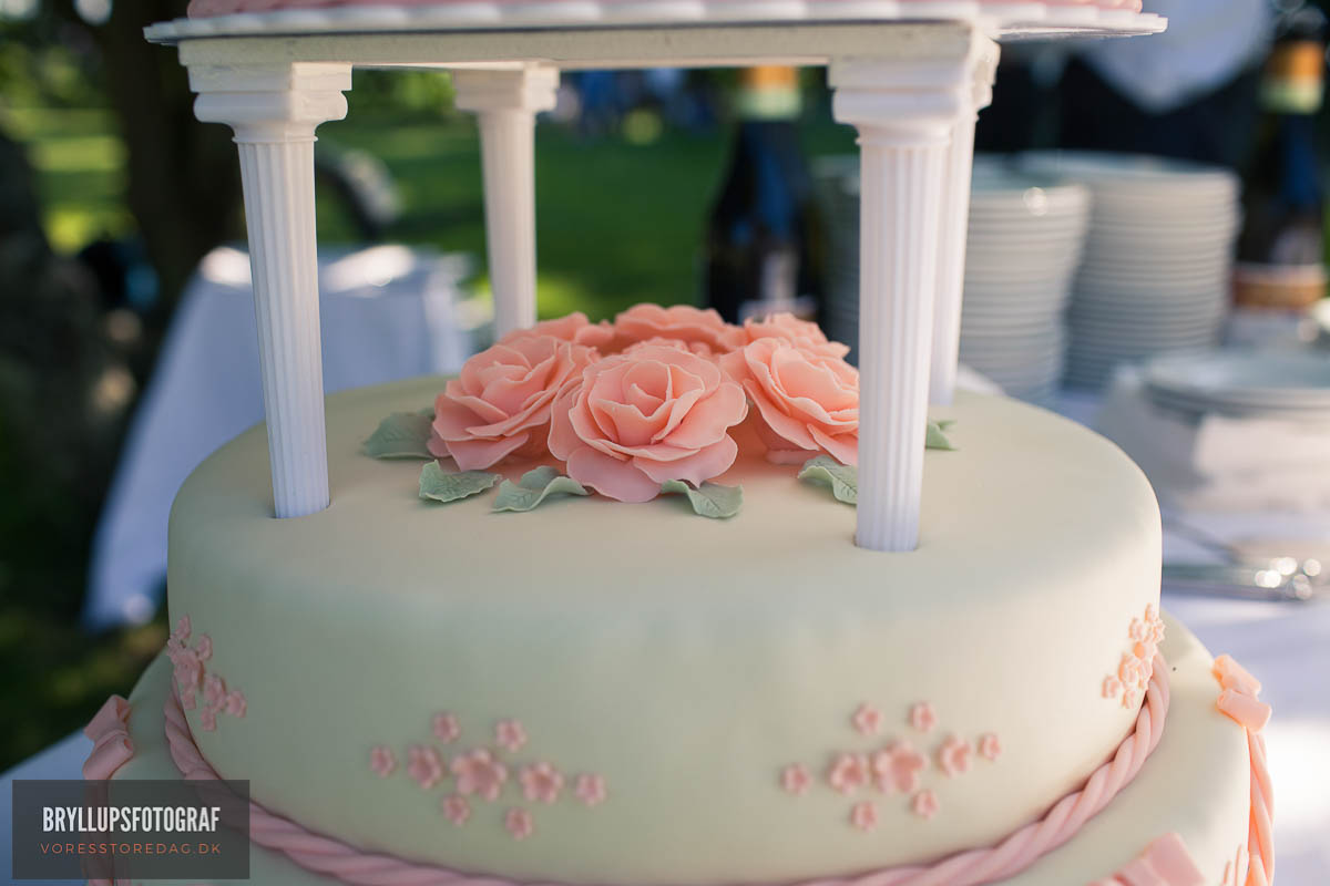 Cool Wedding Cake Toppers for Cakes