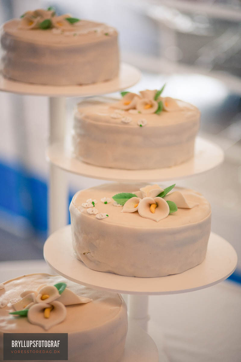 Example Wedding Cake Messages for your Wedding Cake Design