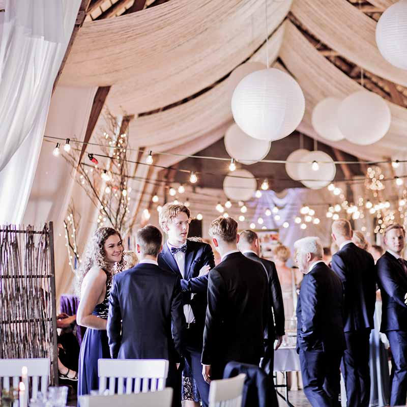 More Ideas For A Shoe String Budget Wedding